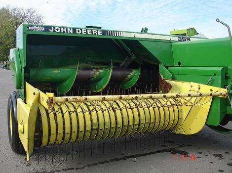 John Deere 359