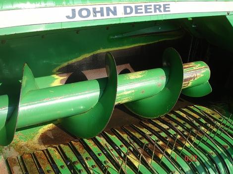 John Deere 332